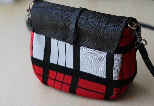 DIY Plaid Saddle Bag: Back